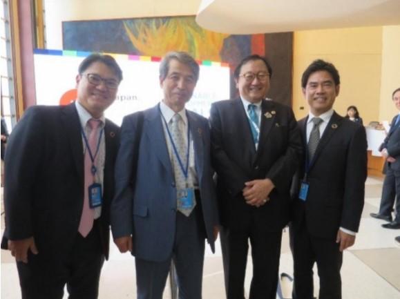 左から加藤要太参事官、槇野学長、星野俊也大使(次席)、横井副学長